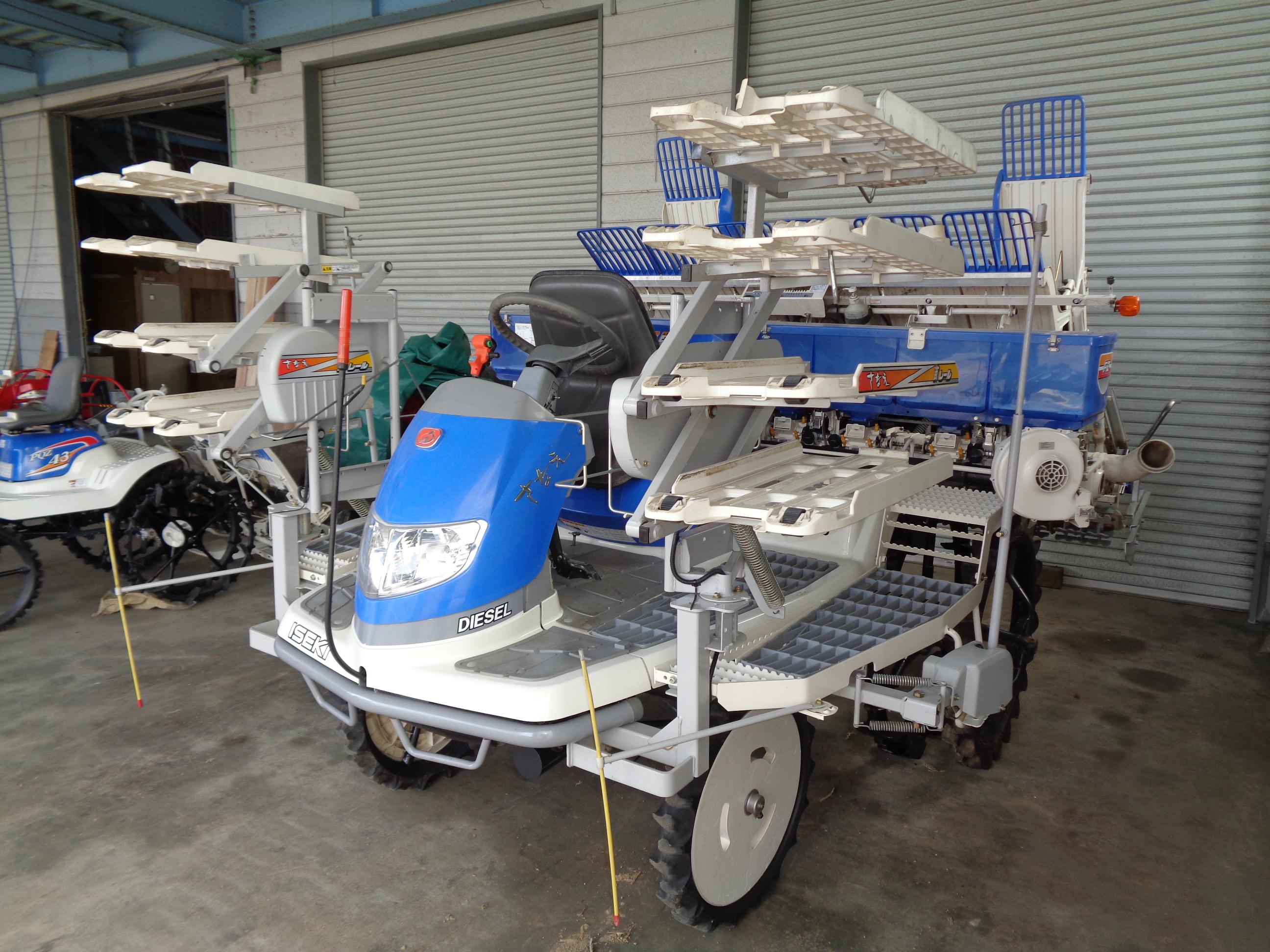 中古田植え機 イセキ PZ83HDLF 空気入り補助タイヤ 施肥付 跡消しローター